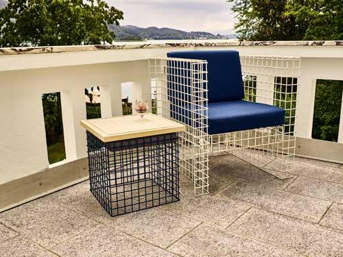 Gitterkorb und Sessel