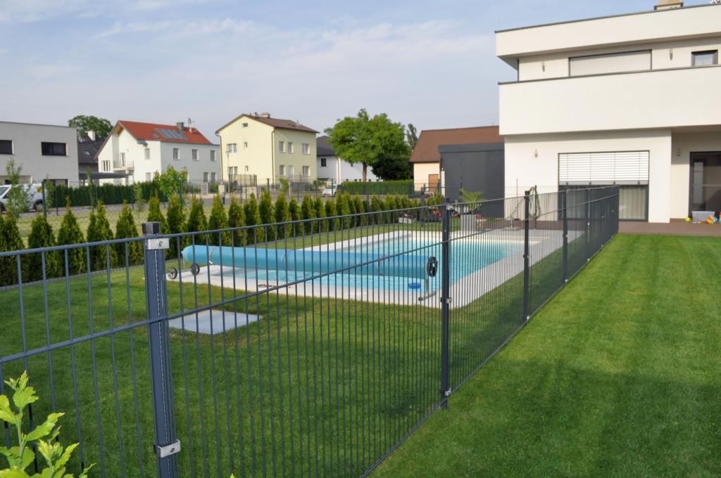 Poolzaun